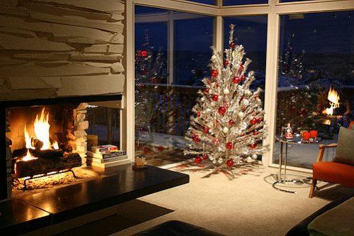 aluminum-tree-retro-christmas-decorations
