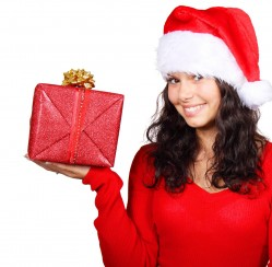 Buy Glimmering Christmas Gifts for Her on a Budget