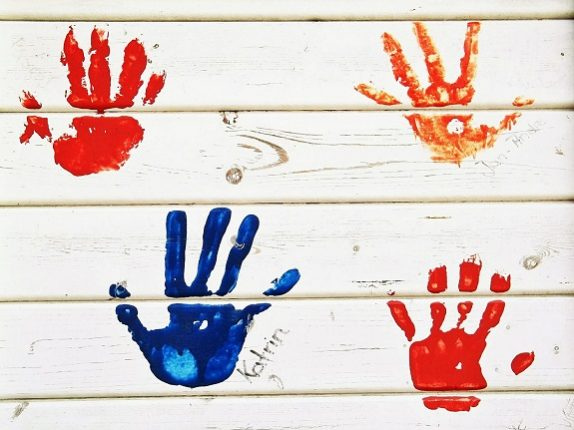 handprint-christmas gifts