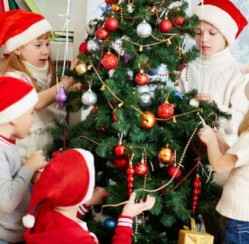 Make Decorating Your Christmas Tree a Family Event