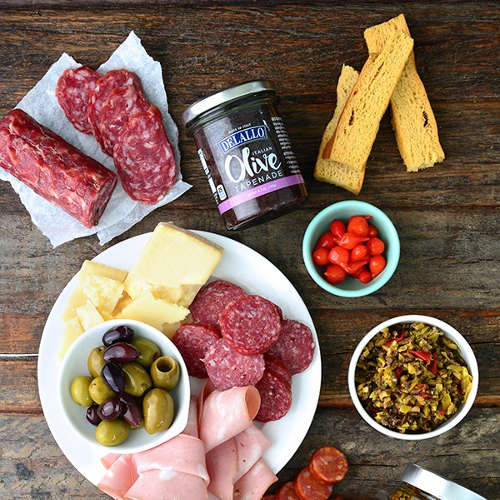 DeLallo Classic Cured Meats and Antipasto Accents Gift Collection ...